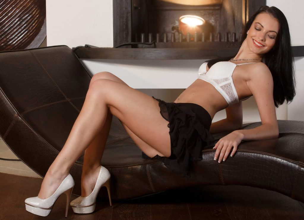 Teen Brunette - Cheap London Escorts